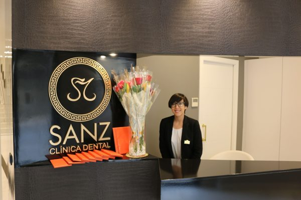 recepcionista sanz clinica dental