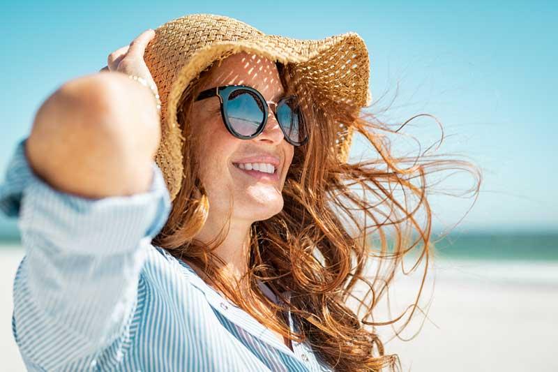 ¿Por qué realizarse un blanqueamiento dental en verano?